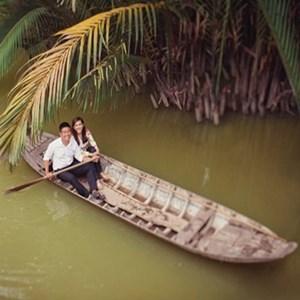 Picture of Thơ Tình: Ngày em sang sông